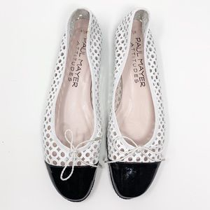 PAUL MAYER white black flats